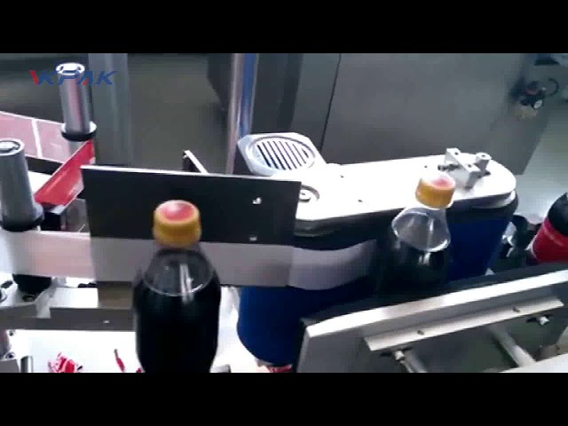 Automatische etiketteermachine voor colaflessen
